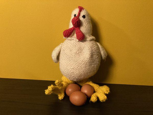 Kip - staand - 3 (echte) eieren