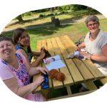 Bewerkte foto Abke-Edith-Jantine picknicktafel